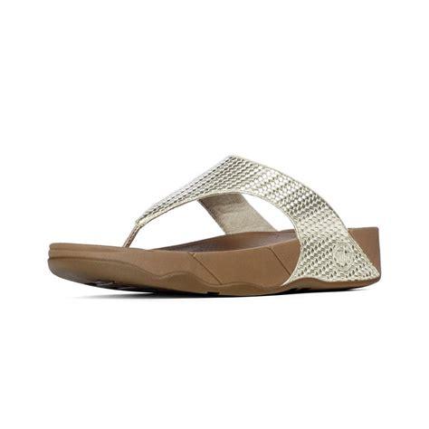wobble board sandals fitflop fitflop lulu toe post sandal in soft pale gold