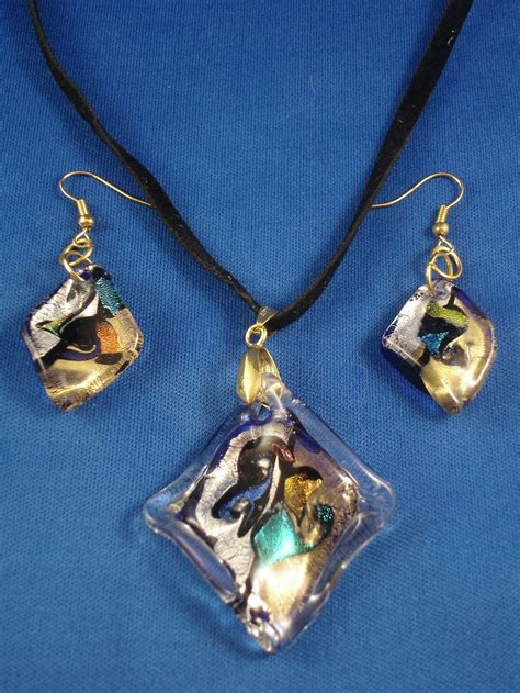 rhomb shape stained glass pendant set of necklace