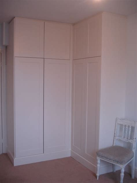 Wardrobe Paint Colours by 18 Best Images About Built In Corner Wardrobe On
