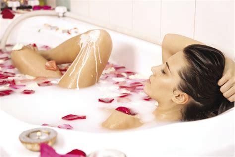 milk bathtub beauty tip milk bath fashion style mag