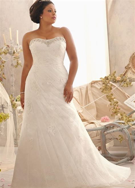Looking For A Dress For A Wedding by Plus Size Fitted Wedding Dresses Pluslook Eu Collection