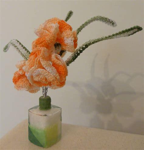 come realizzare dei fiori all uncinetto vasetto di fiori all uncinetto