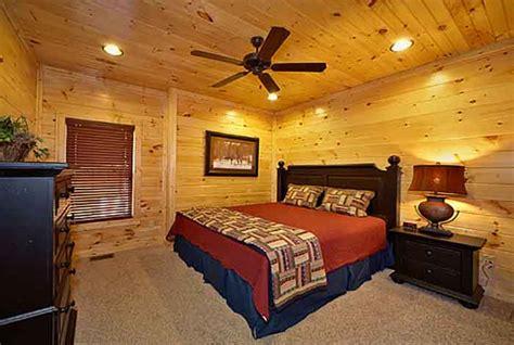 gatlinburg 2 bedroom cabins gatlinburg cabin bearly time 2 bedroom sleeps 8