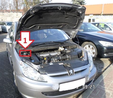 where is peugeot peugeot 307 2001 2005 where is vin number find