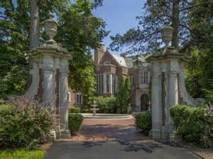 8 real haunted houses for sale cen