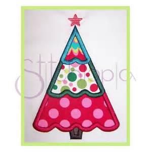 stitchtopia round quatrefoil christmas ornament b