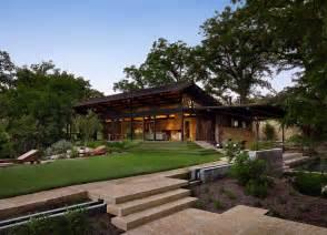 Modern Farm Homes Modern Rustic Barn Style Retreat In Texas Hill Country