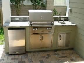 Ideas about small outdoor kitchens on pinterest outdoor kitchens