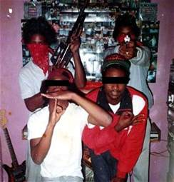 what color are crips black prison gangs bloods