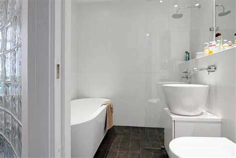 White On White Bathroom Ideas by Moderne Witte Badkamer Uit G 246 Teborg Interieur Inrichting
