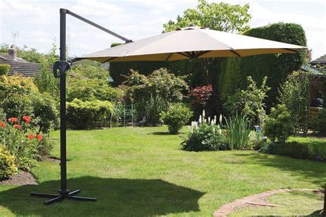 ombrelloni da giardino leroy merlin ombrelloni da esterno per il giardino