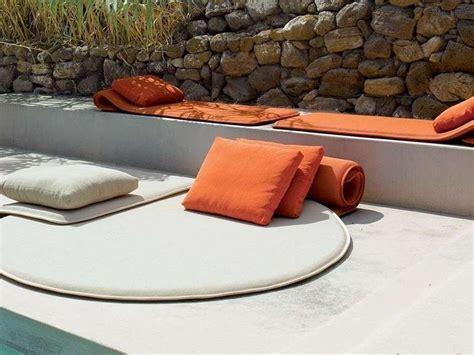 cuscini per terra cuscini per esterno idee originali per terrazzo e