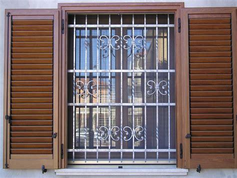 inferriate mobili per finestre inferriate per finestre finestre caratteristiche delle