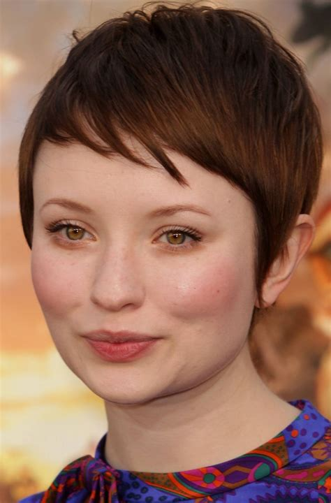 fat face pixie cut stylish short hairstyles for chubby face cinefog