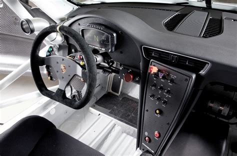 porsche rsr interior 2014 porsche 911 racers compared 991 rsr vs 991 gt3 cup