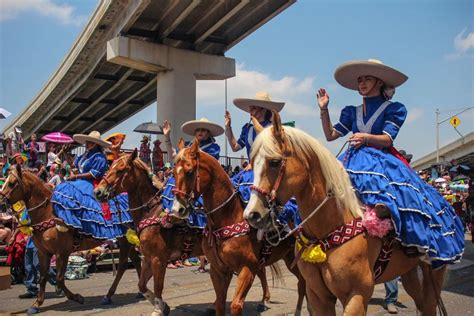 San Antonio Giveaways - organizers reschedule battle of flowers parade to morning due to quot scorching