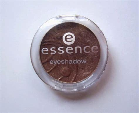 Eyeshadow Essence Review by Essence Mono Eyeshadow Metropolitan Review