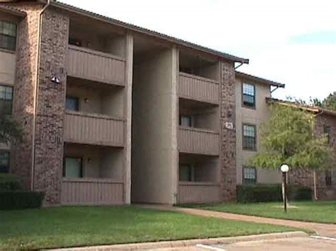 Legacy Apartments Las Colinas Macarthur Park Apartments At 812 Kinwest Pkwy Irving Tx