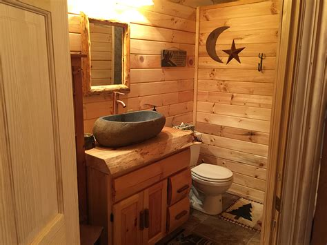 log bathroom bear den cabin mountain breeze log cabins