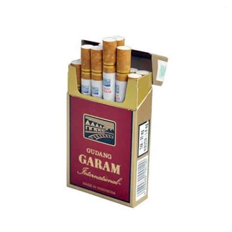 Rokok Esse Golden Leaf Hitam 1 gudang garam international cigarettes clovecigs