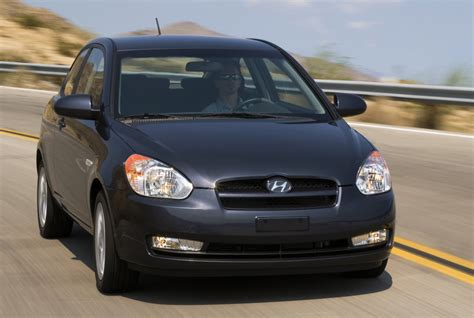 2011 hyundai accent hatchback kendall self drive 2011 hyundai accent gl hatchback