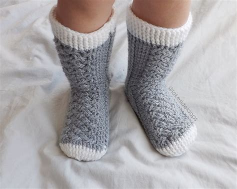 pattern cable socks crochet pattern parker cable socks by lakeside loops