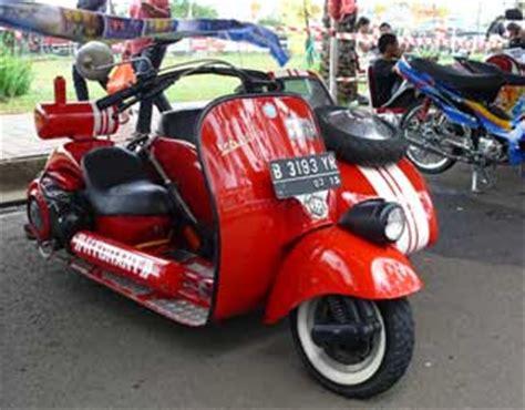Modifikasi Vespa Tangerang by Modifikasi Vespa 1979 Style Zyzspan Otomotif