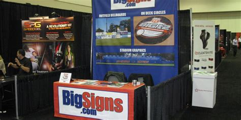 table drapes for trade shows table runners table drapes bigsigns com