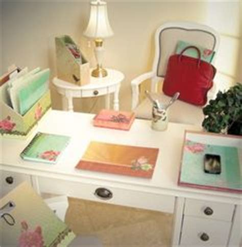 1000 Images About Girly Study On Pinterest Shabby Chic Shabby Chic Desk Accessories