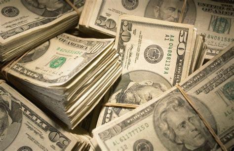 monetarism printing money  curb inflation