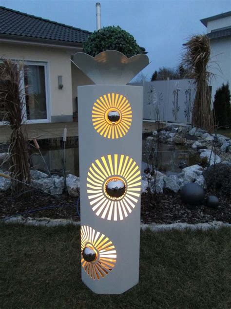 garten steckdosensäule dekos 228 ule aus metall mit licht beleuchtet tiko metalldesign