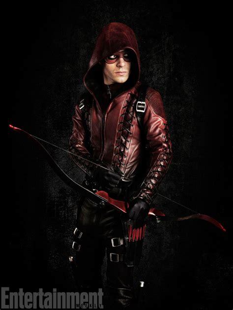 Arsenal Arrow   colton haynes dons arsenal s faux leather for arrow season 3