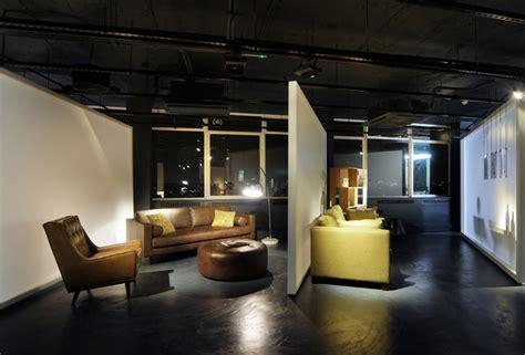 madecom showroom  bureau de change design office london