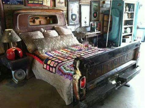 truck bed couch this would be the coolest bed would be great to have the