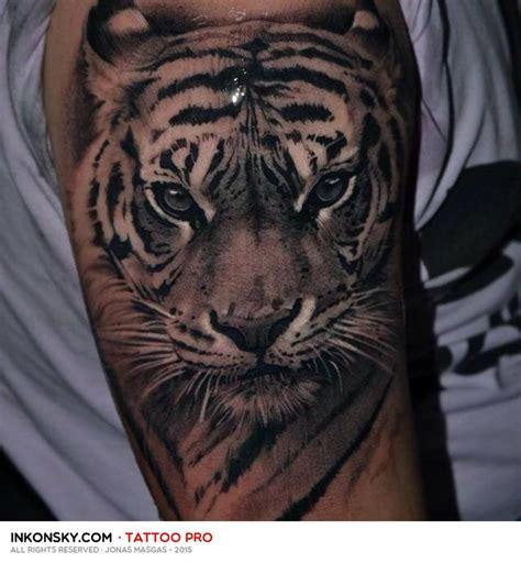 imagenes de tatuajes realistas de animales las 25 mejores ideas sobre tatuaje de tigres en pinterest