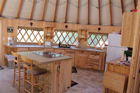 Luxury Yurt Homes Best 25 Luxury Yurt Ideas On Cing Gling Yurt Tent And Gling Tents