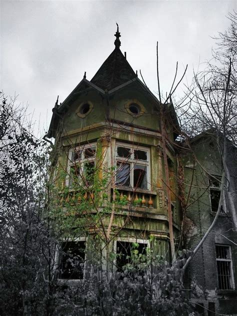 abandoned victorian abandoned victorian mansion creepy beauty pinterest