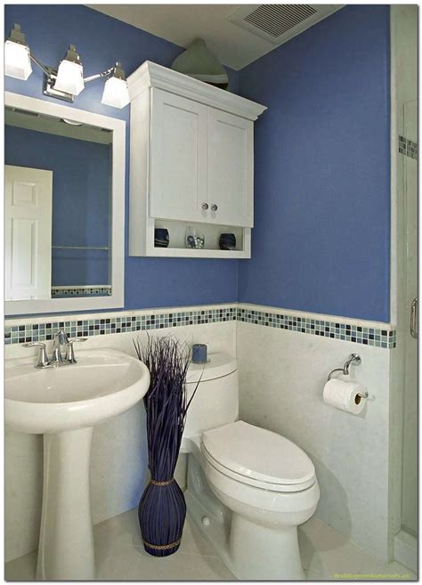 simple blue and white bathroom decor for small space 41