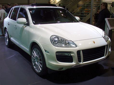 how it works cars 2008 porsche cayenne user handbook file porsche cayenne turbo ami jpg wikimedia commons