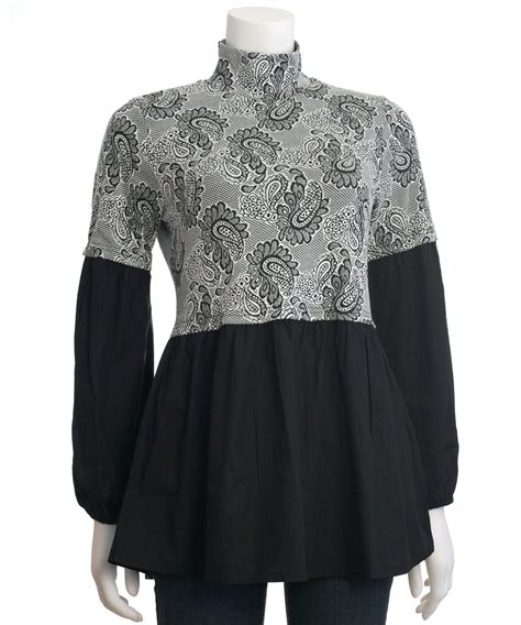 Ryu Top Blouse by Fashionville Tops Ryu Button Back Paisley Print