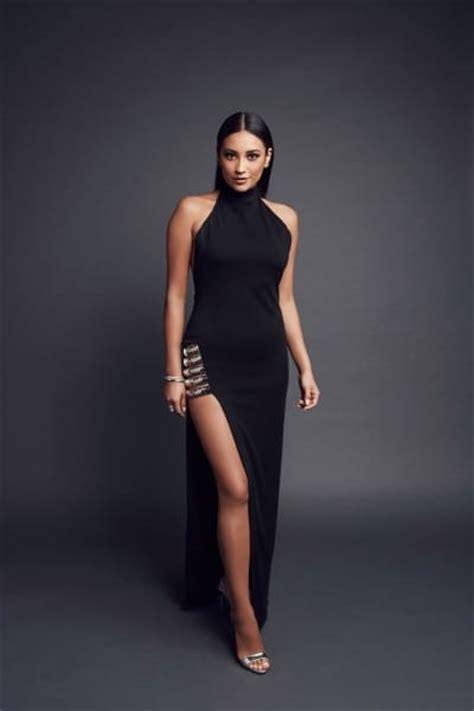 Shay Mitchell Sexy Celebrity Legs | Zeman Celebrity Legs Emily Fields Pretty Little Liars