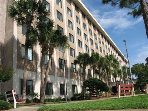 Apartments In Orlando That Are Income Based Central Manor Apartments Senior Housing In Daytona