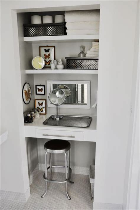 Vanity In Closet by 25 Best Ideas About Closet Vanity On Makeup