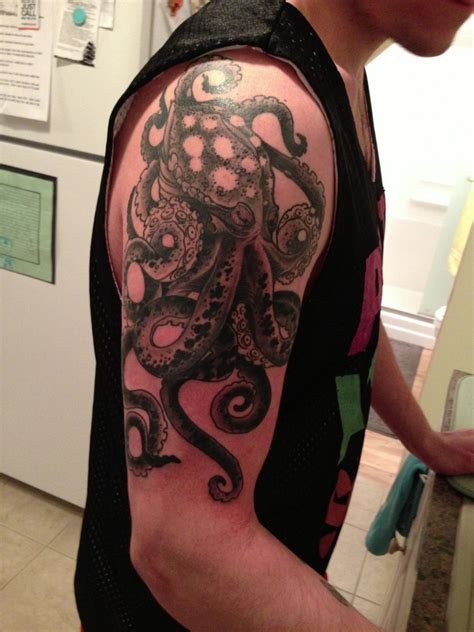 octopus sleeve tattoo octopus tattoos ideas sinners