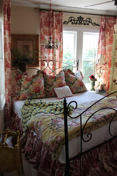 country bedroom decorating ideas 2018 15 popular bedroom colors 2018 interior decorating colors interior decorating colors
