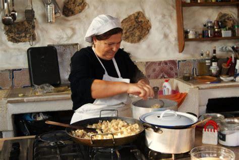 mamma cucina festa della mamma cosa non regalare alle mamme napoletane