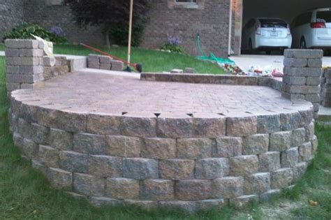Paving Stones For Walls Paver Stones On Retaining Wall Doityourself