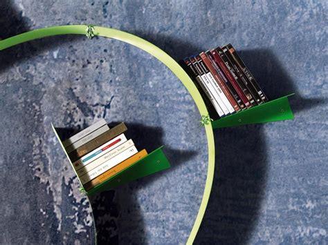 libreria flessibile libreria flessibile wallboardingb motusmentis in acciaio