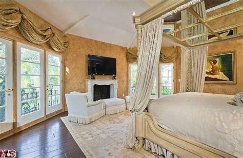 bill gates bedroom photos and wylielauderhouse