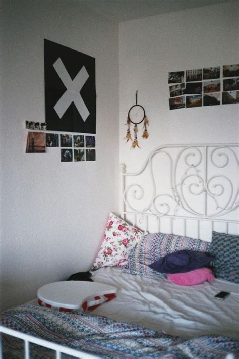 cute simple bedroom ideas i like this bedroom because even though it s simple it